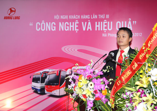 Hoi nghi khach hang Hoang Long lan II