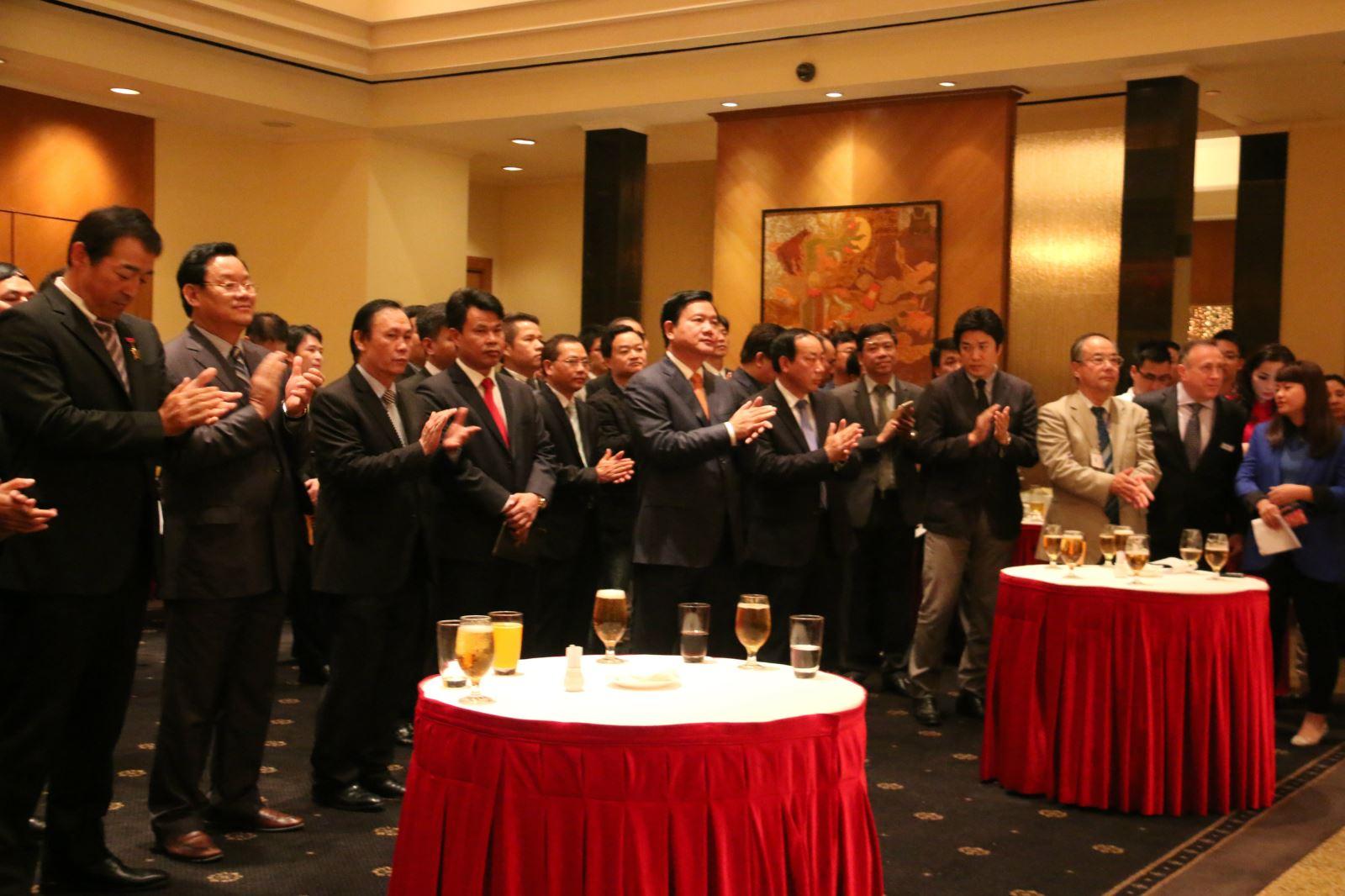 Bộ trưởng Đinh La Thăng cùng nhiều lãnh đạo các cơ quan, đơn vị dự Lễ